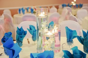 Candle centerpiece arrangement