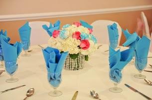 Floral centerpiece arrangement